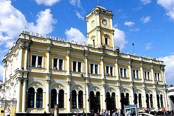 Заказать такси на Ленинградский вокзал