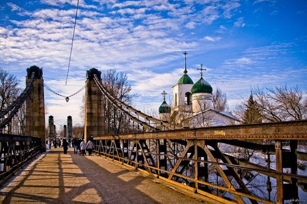 Остров. Такси из Москвы в населенный пункт Остров